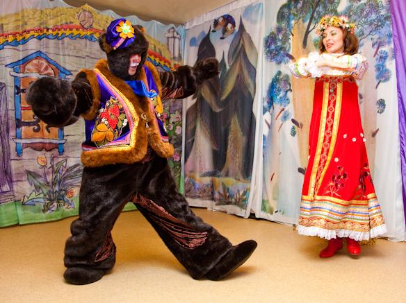 Любимый танец Машеньки и Медведя