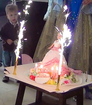 Торт в виде принцессы