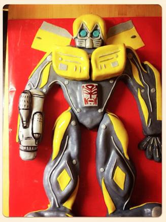 Детский торт робот трансформер Бамблби