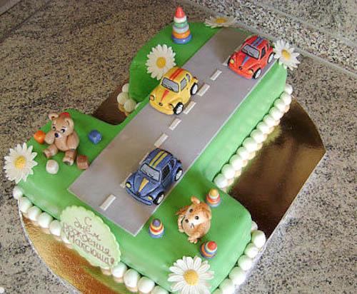 Торт дорого с машинками в форме единицы