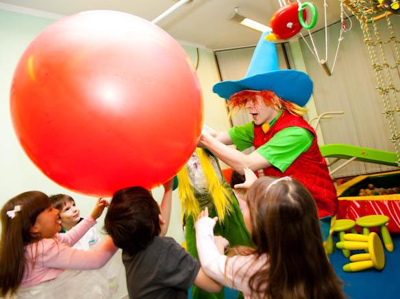 Незнайка на детский праздник