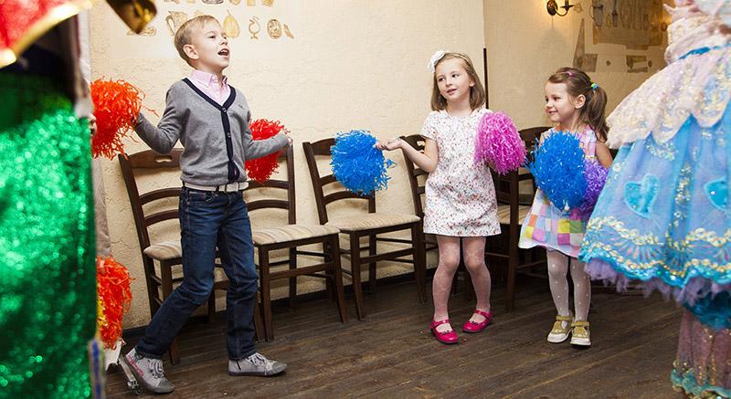 знакомство детей с перчаточными куклами